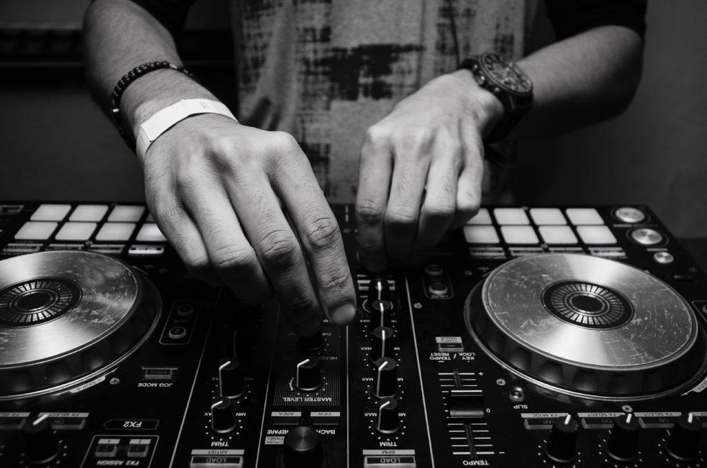dj playing